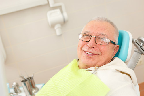 NEW PATIENTS WELCOME | Postings Denture Clinics Ltd.
